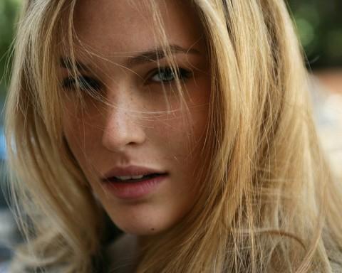 naturally-feminine-beauty