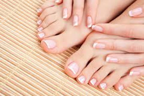 toes-and-hand-nail-polished