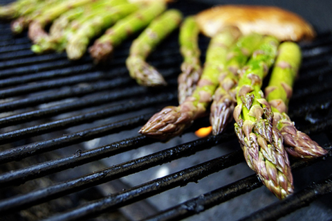 asparagus-on-the-grill.