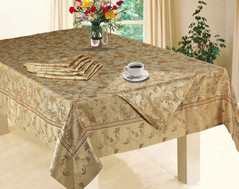 how-to-lay-a-tablecloth