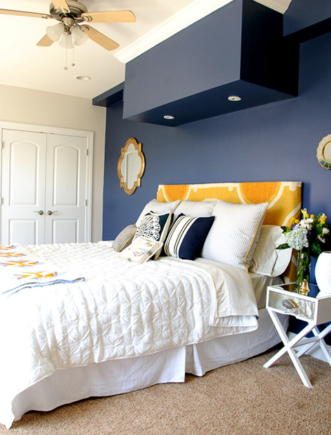 blue-feature-wall-give-your-guest-room