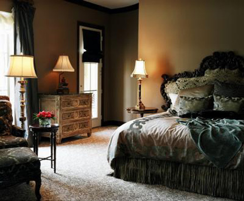 decorate-bedroom-with-dark-wood-headboard