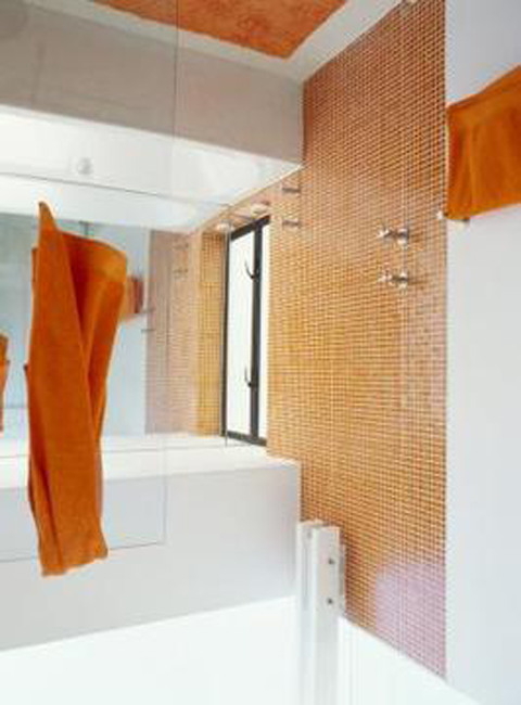 decorate-bathrooms-using-orange-brown-colors