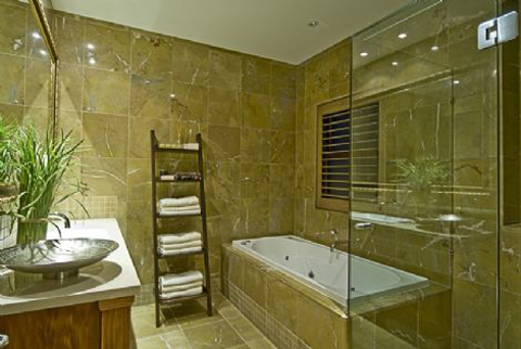decorating-bathroom-in-tuscan-design