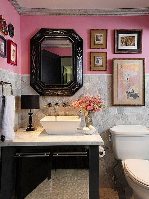 bathroom-pink-as-accent-color