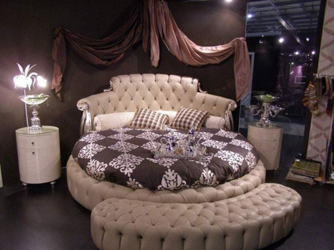 luxury-tufted-bedroom
