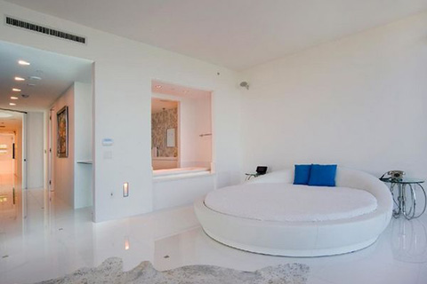 pure-wite-bedroom