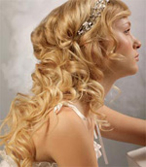 mermaid-beach-wedding-hairstyle