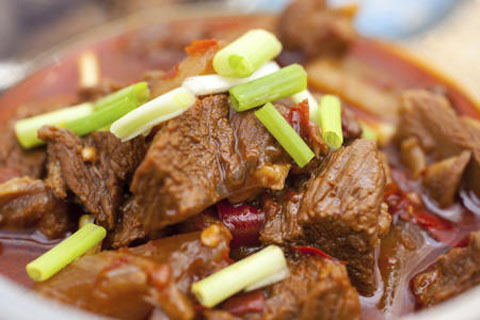 braising-the-meat-chinese-dinner