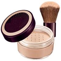 apply-powdered-foundation