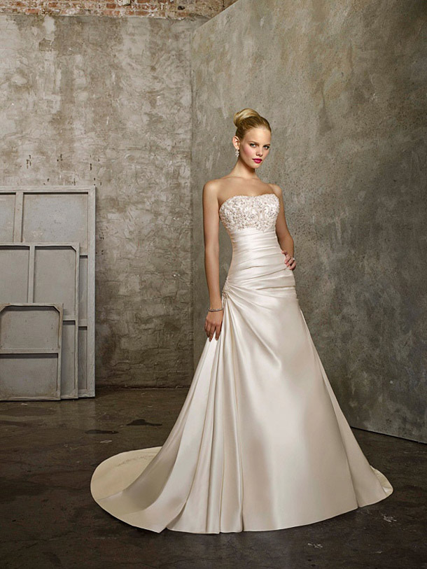 champagne-lace-up-wedding-dresses