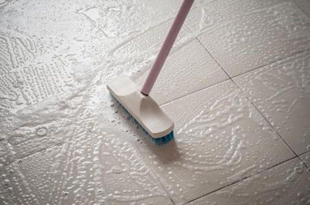 cleaning-polished-flooring