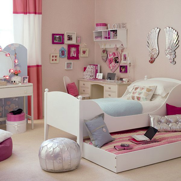 tenage-girls-bedroom