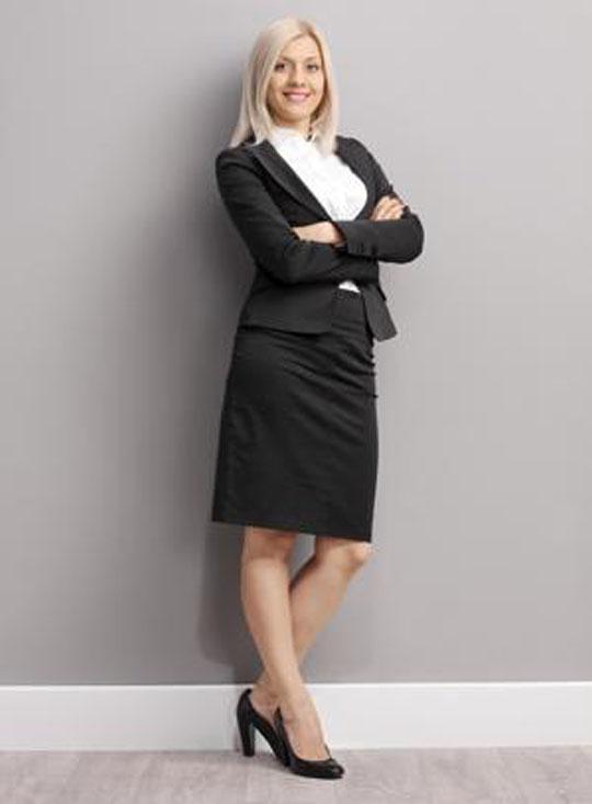 Как стильно одеваться женщине в 30 лет